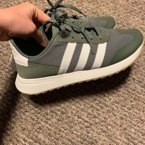 Women's Adidas Flashback shoes size 8